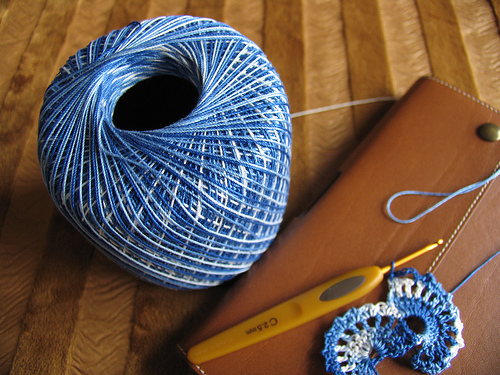 Thin Yarn Crochet : Tutorial - friendship-bracelets.net